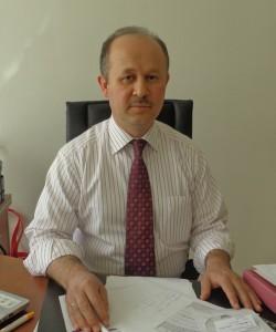 DR. Metin <br> AYBAR